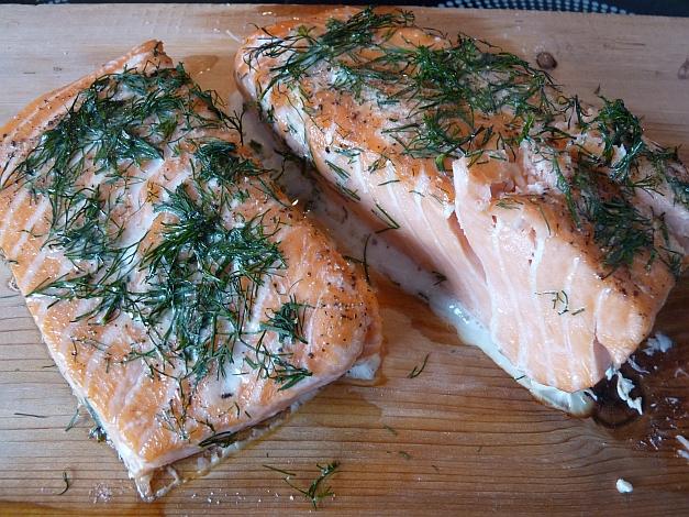 Lachs auf Zedernholz  im Backofen gebraten  Fisch  ~ Backofen Vergessen Auszuschalten