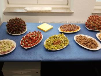 wieviel kuchen für 50 personen