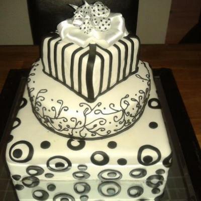 hochzeitstorte schwarz weiss j gerhut schuhtorte hochzeitsringe harsey torte. Black Bedroom Furniture Sets. Home Design Ideas