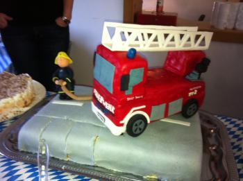 Und Noch Ein Feuerwehrkuchen Motivtorten Forum Chefkoch De