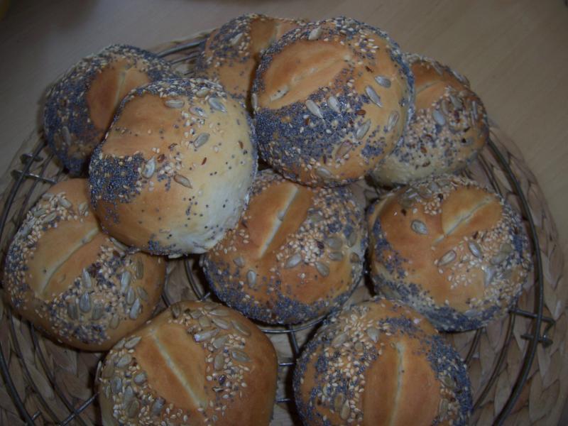 Brot Brötchen backen 26 02 04 03 2011 672026810