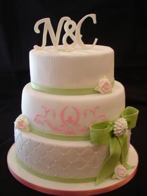 Hochzeitstorte pink grün 1439797309