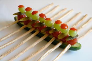 kreatives Obst Gemüse Kinder 1037358562