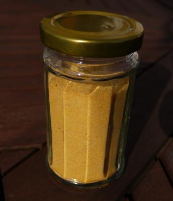 farbiges salz bzw. farbiger zucker - nur mit kräutern/blüten