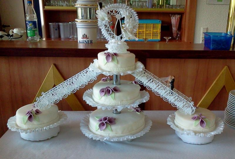 Fotoalbum meiner ersten Hochzeitstorte ist da  Motivtorten Fotos ...