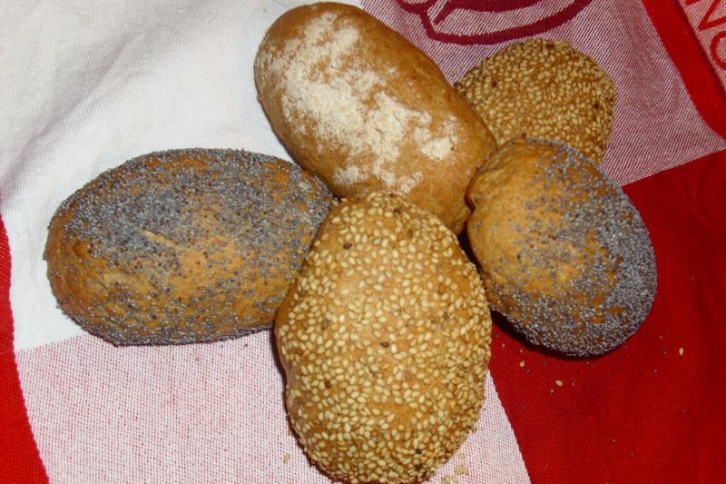 Brot Brötchen backen 26 02 04 03 2011 295997414