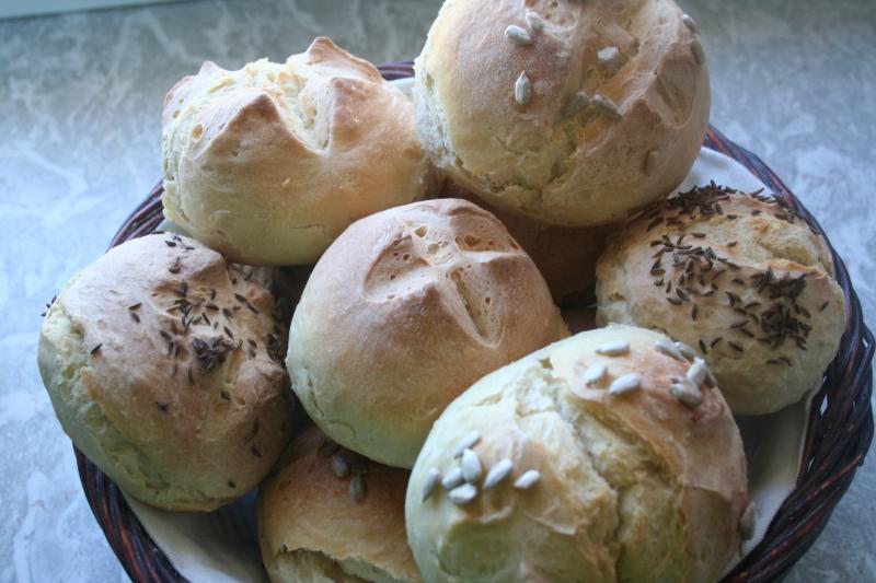 Brot Brötchen backen 26 02 04 03 2011 1073631337