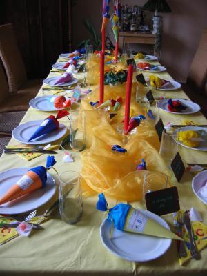 Tischdeko Fur Einschulung Feste Tischdekoration Und Einladungen